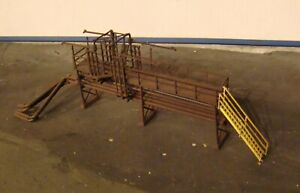 HO Scale Building Walthers Oil Loading Platform Built Weathered