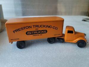 ERTL 9579 Preston Trucking Co. 1937  Ford Truck
