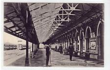 MAIN PLATFORM, DUNEDIN RAILWAY STATION: New Zealand postcard (C32570)