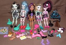 MONSTER HIGH DOLL LOT - 1st WAVE - 5 DOLLS + Accesories