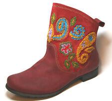 Think Stiefeletten mit kleinem Absatz (kleiner als 3 cm)/boots