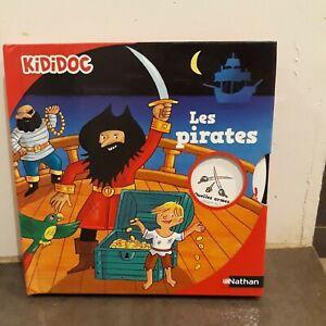 KIDIDOC - LES PIRATES / SUPERBE LIVRE POP UP NATHAN