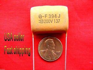 25 pc -  .39uf  200v  (0.39uf, 390nf)  Matsushita NP radial poly film capacitors