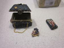 Boyds Uncle Bean's Treasure Boxes 82504 Mary Lou'S Bottomless Purse Bingo Nibble