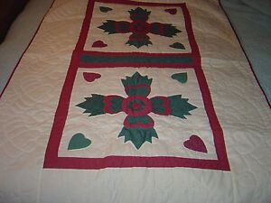 """AUTHENTIC LANCASTER AMISH MAUVE & GREEN BEAR PAW WALLHANGING QUILT SIZE 37""""- 61"""""""