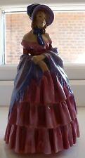 Early Royal Doulton estatuilla HN728 una dama victoriana