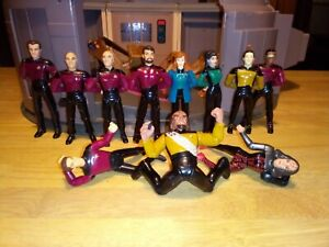 1993 Playmates Star Trek The Next Generation Bridge Playset with 10 Figures