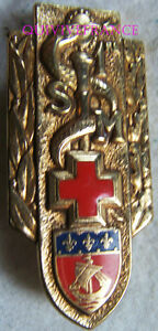 IN7582 - INSIGNE 1° Section d'Infirmiers Militaires, dos guilloché