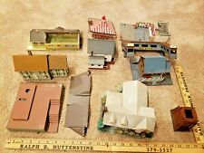 Lot of 6Train Garden Buildings Structures HO ? Bachman platform