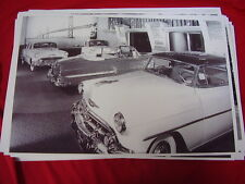 1953 CHEVROLET SHOWROOM    BIG 11 X 17  PHOTO  PICTURE