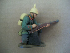 AS NEW KING & COUNTRY RETIRED WW1 GERMAN INFANTRY MAN KNEELING LOADING