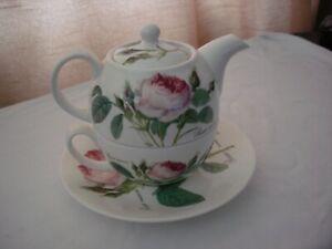ROY KIRKHAM BONE CHINA REDOUTE ROSES TEA FOR ONE SET