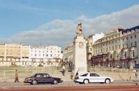 PHOTO  SUSSEX  BRIGHTON REGENCY SQUARE WITH ROYAL SUSSEX MEMORIAL 1988