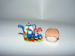 Artisan Dollhouse Miniature doll RAGGEDY ANN and ANDY in Teapot House MICRO