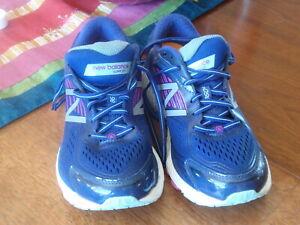 New Balance Running Shoe 860v7  9D Women