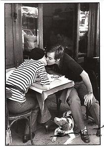 Postkarte - Cartier-Bresson:  Boulevard Diderot, Paris 1969 / Liebespaar im Cafè