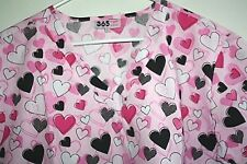 New Valentines Womens Scrub Top size M Hearts Short Sleeve Pockets NWT  --UUX