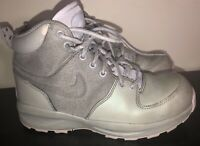 Nike Sneakers Boys Youth Size 4.5 -  High Top Warm Winter Shoe Grey GUC