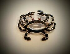 VINTAGE UNSIGNED HATTIE CARNEGIE JELLY BELLY CRAB LUCITE PIN BROOCH