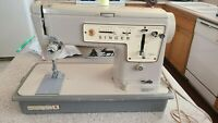 VINTAGE SINGER STYLIST MODEL 457 ZIG ZAG PORTABLE SEWING MACHINE WITH CASE