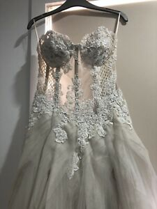 Pallas Couture Abella Gown Sample Size 10 Lace Wedding dress RRP AUD $13,000