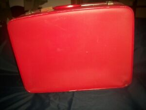 """Vintage AIRWAY Luggage/Suitcase *Hardsided* w Key *Cherry Red* 24"""" x 18"""" x7"""""""