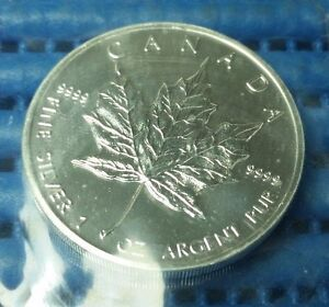 1991 Canada $5 Maple Leaf 1 oz 9999 Fine Silver Coin in Original Mint's Pack