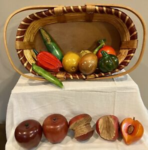 Wooden Fruits & Vegetables 13 Pieces in Wood and Wicker Basket Very Nice!