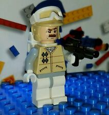 LEGO® Star Wars Hoth Rebel Officer Minifigure moustache w/ Blaster Backpack 8083