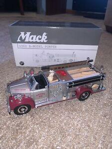 First Gear Mack 1960 B-Model Pumper 1/34