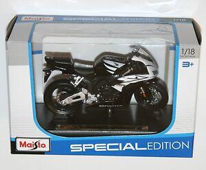 Maisto - HONDA CBR1000RR - Motorbike Model Scale 1:18