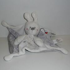 Doudou Lapin Kiabi - Neuf - Un lapin est dessiné sur mon corps