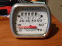 COMPTEUR VEGLIA RECTANGLE 70km/h  MOBYLETTE PEUGEOT  101 102 103 104 NEUF