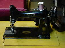 Vintage Singer sewing machine Model 99K - EM-718911 year1957 Works GrEAT!