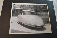 Vintage Photo RARE 1948 Davis Divan 3 Wheel Car in Driveway 892013