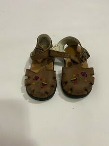 Stride-Rite MUNCHKIN Brown Leather T-Strap Sandals Shoes sz 4.5