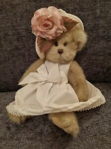 Bearington collection bear flower in hat, jointed legs 11""