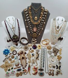 Vintage Estate Costume Jewelry Lot. Necklaces, Brooches, Bracelets, Designers