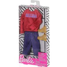 Barbie: Fashionista Complete Look - Malibu Sweatshirt Accesory Pack by Mattel