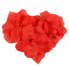 Petali rossi per il matrimonio