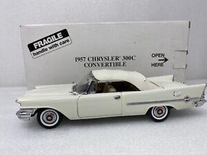 1/24 Danbury Mint 1957 Chrysler Convertible 300C Cloud White READ