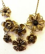 Beautiful Floral Vintage Necklace with 7 flowers and Rhinestones