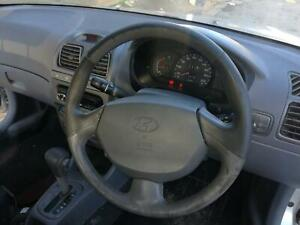 HYUNDAI ACCENT STEERING WHEEL LC, AIRBAG TYPE, 06/00-02/03 00 01 02 03