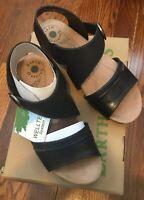 NIB EARTH ORIGINS Wms Black Leather Hazel Low Wedge Heel Sandals Sz 8.5 M