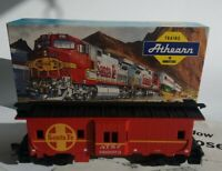 Open Box HO  Scale Athearn Santa Fe Bay Window Caboose # 999973