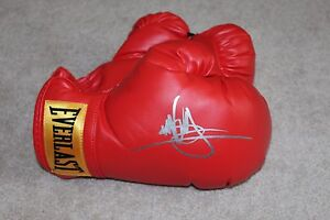 MARK WAHLBERG SIGNED RED EVERLAST BOXING GLOVE w/COA THE FIGHTER PATRIOTS DAY