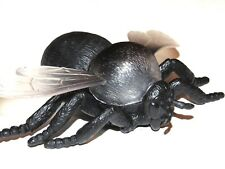 Realistic Detailed Hand Painted House Fly Insect Bug LRG Plastic PVC Toy Figure