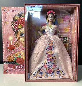 2020 Barbie Dia De Los Muertos Day of The Dead Pink Skull Doll Mexico New