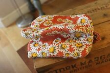 Vintage Padded Fabric Tea Cosy / Pot Warmer – Flowers – Retro! –