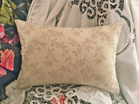 "JANE CHURCHILL FABRIC ENNISMORE COTTON DESIGN  NATURAL CUSHION COVER 17""X10"""
